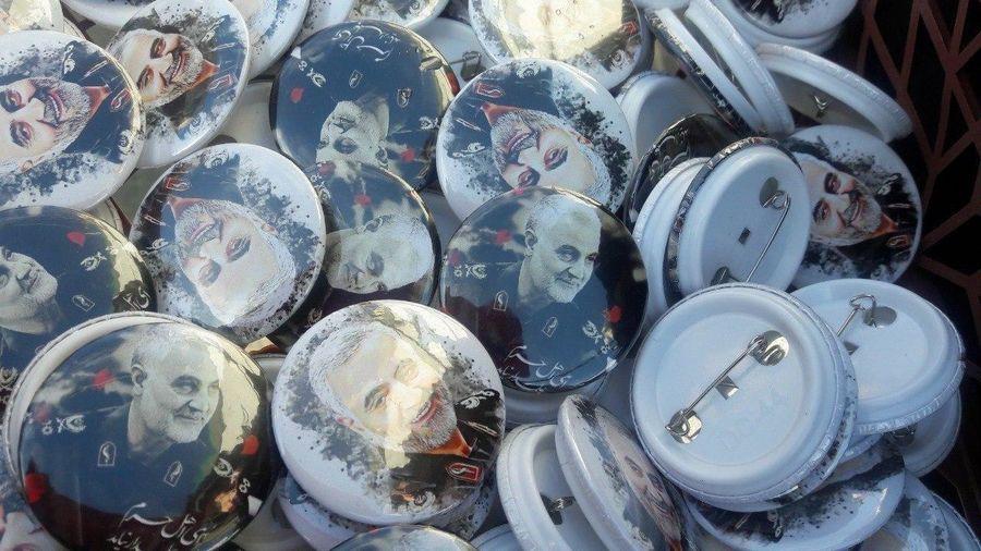 پیکسلهایی منقش به تصویر شهید سپهبد سلیمانی  در حاشیه راهپیمایی ۲۲ بهمن+عکس