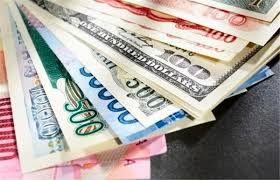 دلار در مرز ۱۲ هزار تومان/ کاهش جزیی قیمت طلا