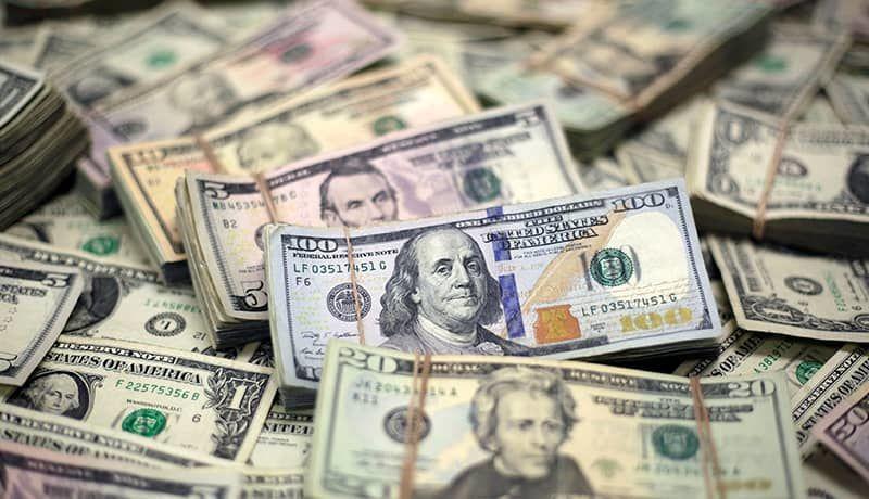 دلار در  مرز ۹ هزار تومان باقی ماند