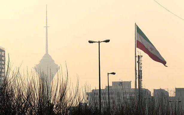 ایران سال آینده از رکود اقتصادی خارج می شود