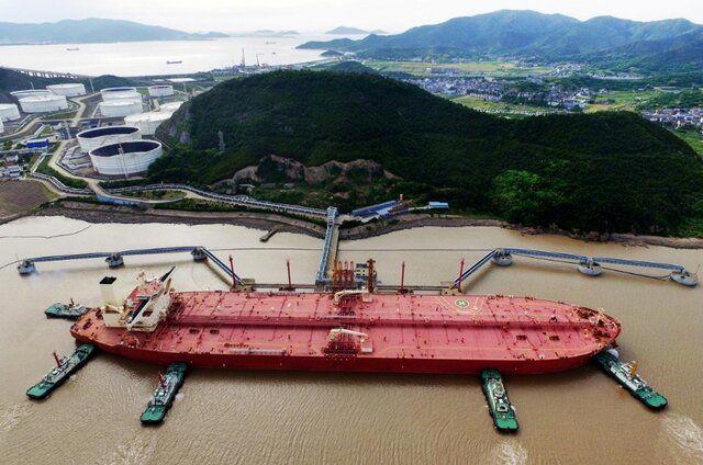چین یک تنه پشت بازار نفت ایستاد