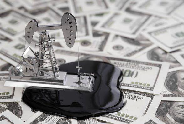 پیشبینی قیمت نفت ۱۰ دلار کاهش یافت
