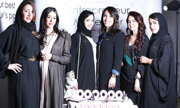 عربستان : حجاب برای گردشگران زن اجباری نیست