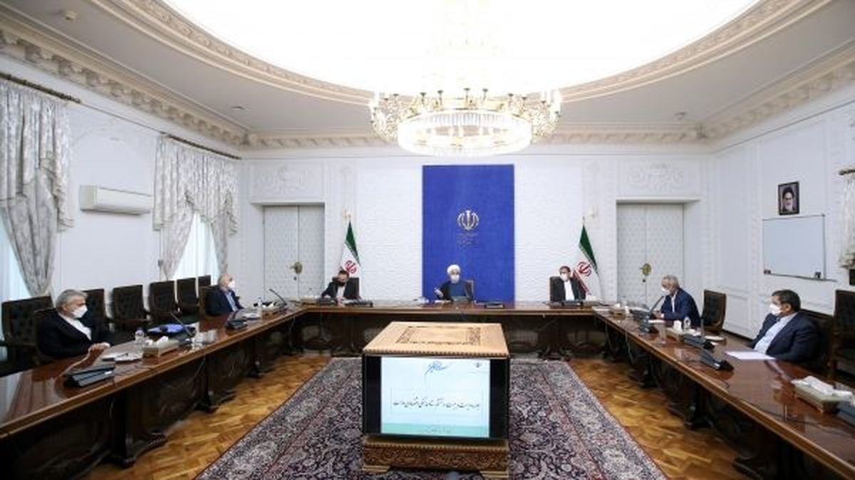 روحانی: دولت توان خود را به حمایت از تولید معطوف کرده است