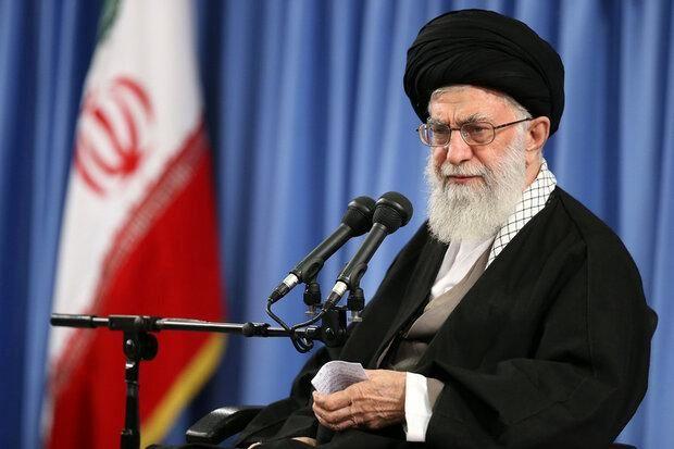 رهبر انقلاب: ملت ایران امروز دستشان در برابر دشمن پر است