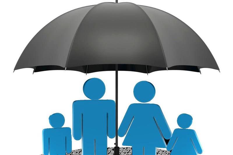 وزیر اقتصاد: ضریب نفوذ بیمه 3.6 درصد افزایش یافت