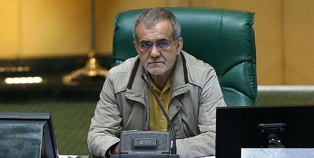 پزشکیان: احکام صادره از سوی رهبری باید در مصوبات مجلس رعایت شود