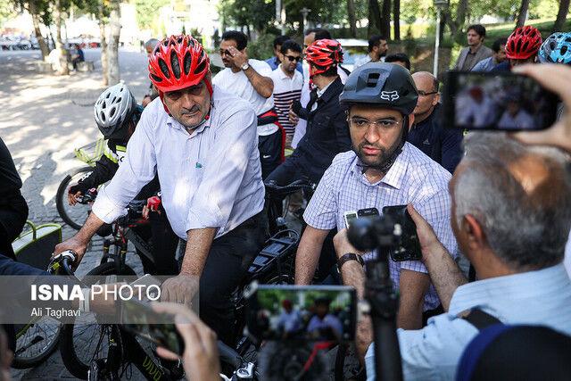 دعوت وزیر ارتباطات از پدرزنش به دوچرخه سواری