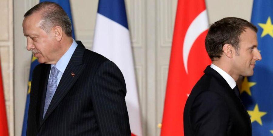 ماکرون : ترکیه با گروههای نزدیک به داعش همکاری میکند